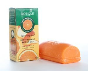 Фото - Апельсиновое мыло-скраб для тела (Bio Orange Peel Revitalizing Soap), 150 гр.