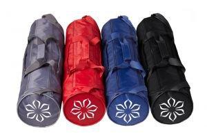 Сумка для йоги «lavana» (лавана)Для ковриков шириной 60 см. <br>Элегантная  сумка для ковриков 60 см. Сделана из прочного и непромокающего материала. Имеются два внешних  кармана, регулирующийся плечевой ремень и удобныеручки.<br>