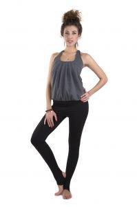 Майка с волнамиЖенская одежда<br>Специальный крой с вертикальными складками позволяет скрыть некоторые недостатки фигуры.<br>